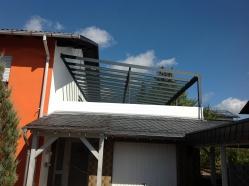 Glasüberdachung mit Stahlverstärkung Doppel-T Träger